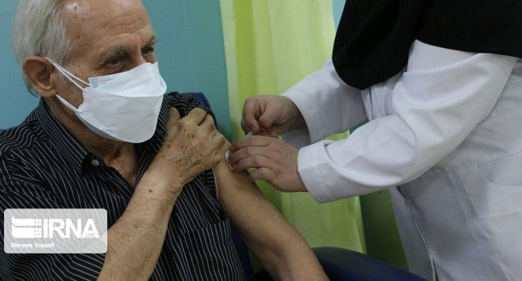 تزریق واکسن کرونا برای بازاریان بروجرد به صورت سیار در حال اجرا است